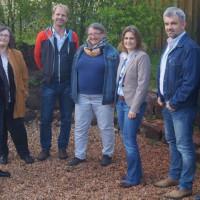 Schulleiterin Frau Kick (3. von rechts) mit Vorstandsmitgliedern des SPD-Ortsvereins Poppenricht-Traßlberg